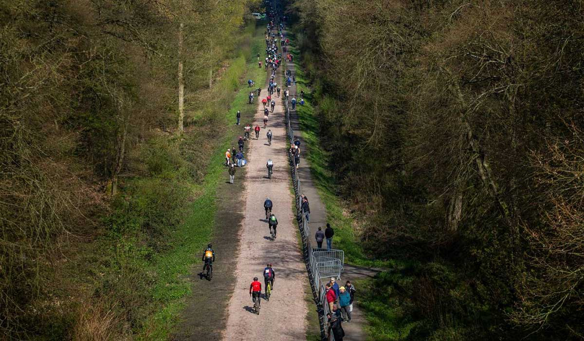 Cyclists on the paris roubaix challenge